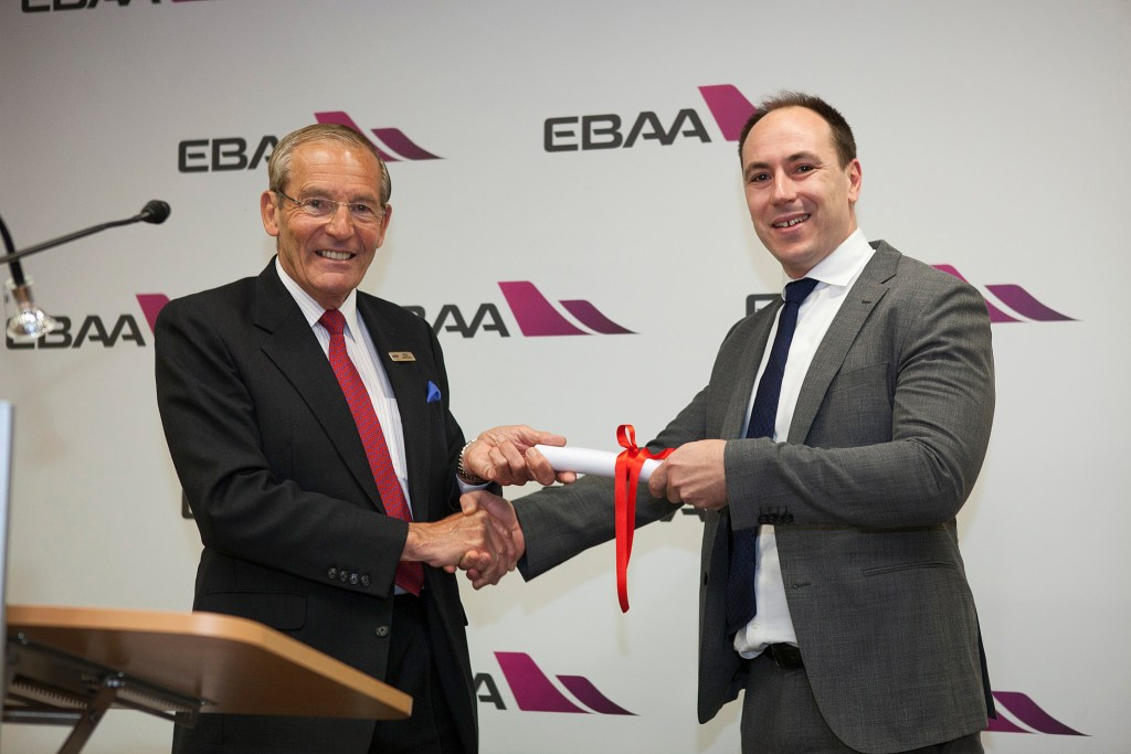 EBAA-Safety-Awards-VistaJet-Ian-Moore-Brian-Humphries.jpg