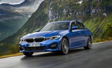 web-The_all_new_2019_BMW_3_Series._European_Model_Shown_9-768x368