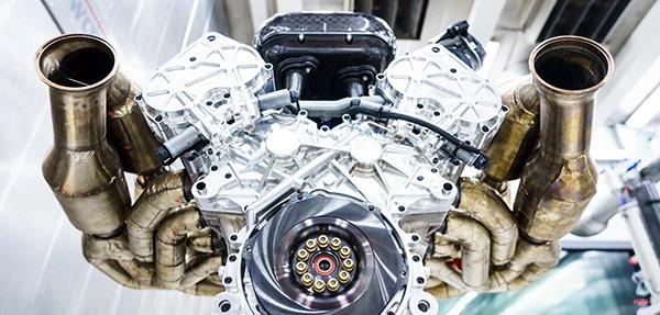 LEAD_Aston-Martin-Valkyrie-Engine-7-leadimage