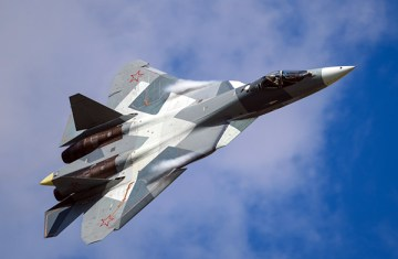 2019-08-05-Su-57-will-be-first-demonstrated-at-the-static-parking-MAKS_920x600_0af
