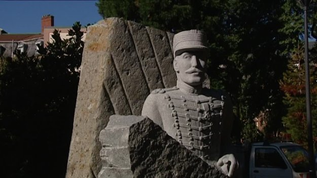 12h_off_statue_dreyfus_mulhouse-00_00_25_15