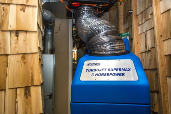 our-process-residential-air-duct-cleaning-3-HEPA-vacuum