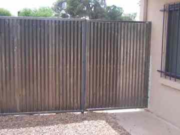 corrugated_gates_003
