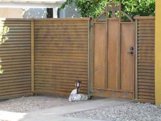 corrugated_gates_012