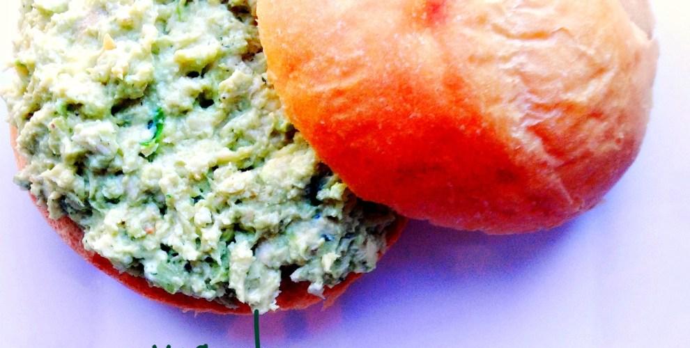 avocado chicken salad sandwich