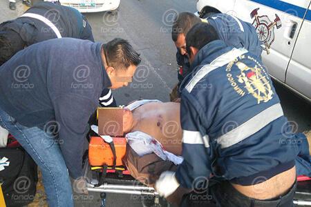 El hombre murió minutos después de llegar al hospital.