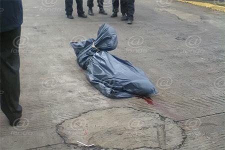 El cuerpo fue hallado por vecinos de la colonia.