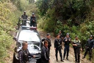 Los policías fueron golpeados y amenazados por más de una hora.