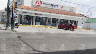 Farmacia ha sido asaltada tres veces en una semana en Toluca