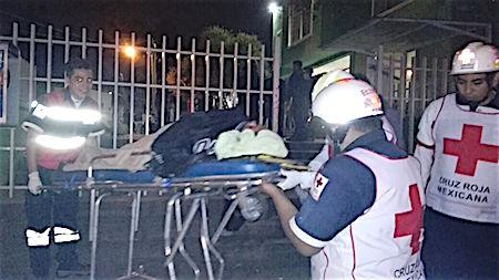 Hombre golpea a su esposa con un marro durante la fiesta de su hijo en Ecatepec