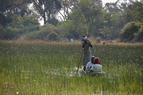 争うことなく平穏に生活しているボツワナの民族について