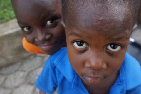 自撮りも大好き!?ガーナの人たちが自分の顔や容姿に誇りを持ってる理由!