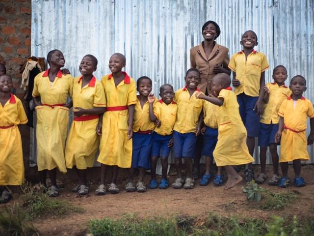ケニアでコンセプトを着想!子どもと一緒に成長するサンダル「Expandals」、日本初上陸!