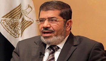 Lefigaro a indiqué que le président Mohamed Morsi et plusieurs dirigeants des Frères musulmans ont interdiction de quitter l'Egypte