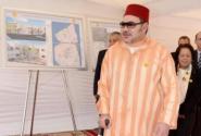 +فيديو:الملك يظهر بالعكاز خلال تدشينات بالمحمدية