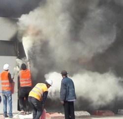 حريق مهول بمقر ادارة شركة اكادير باي
