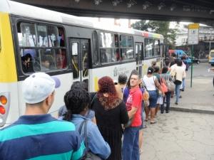 Transporte público ruim afeta saúde, educação e cultura da população, dizem especialistas