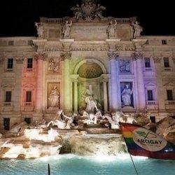 酷新聞:義大利終通過同性伴侶法案  同志團體慶祝