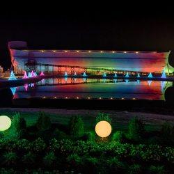 酷新聞:諾亞方舟彩虹燈光秀 基督徒「我們要把彩虹奪回來!」