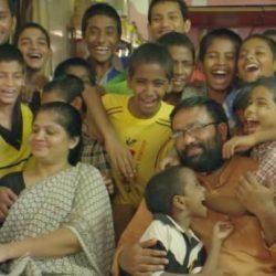 酷新聞:印度夫妻收養22名HIV兒童 網友大喊「超有愛」