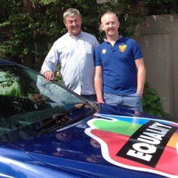 酷新聞:老爸支持同志兒  車上貼「支持婚姻平權」趴趴走