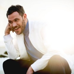 酷新聞:知名同志歌手自爆「我曾對G片上癮」