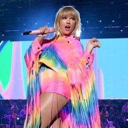 酷新聞:知名同志歌手質疑 泰勒絲「挺同動機」