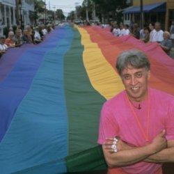 酷新聞:紀念彩虹旗設計人逝世 同志專屬字型問世