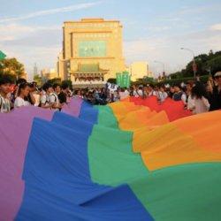 酷新聞:台灣六都全部開放「同性伴侶」註記 桃園跟進