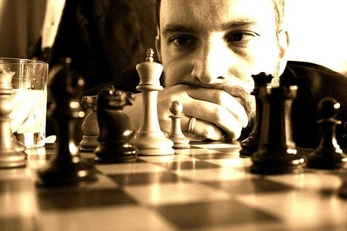 How Habits Are Formed in Chess: Working Memory and Carved Neural Pathways