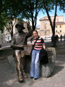 Pomnik Iwana Trusza, malarza ukraińskiego we Lwowie, postawiony w 1996