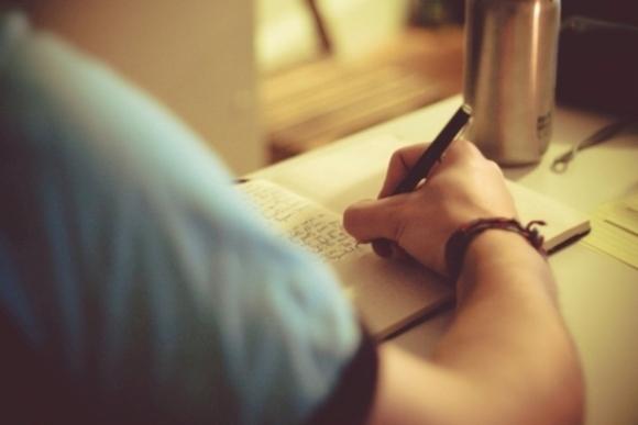 terapi menulis untuk kesehatan mental