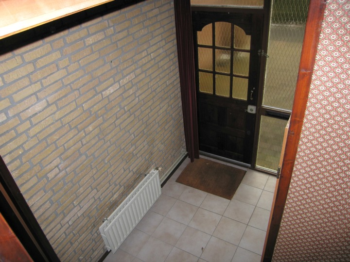 Small Entrance Hall - Before Makeover