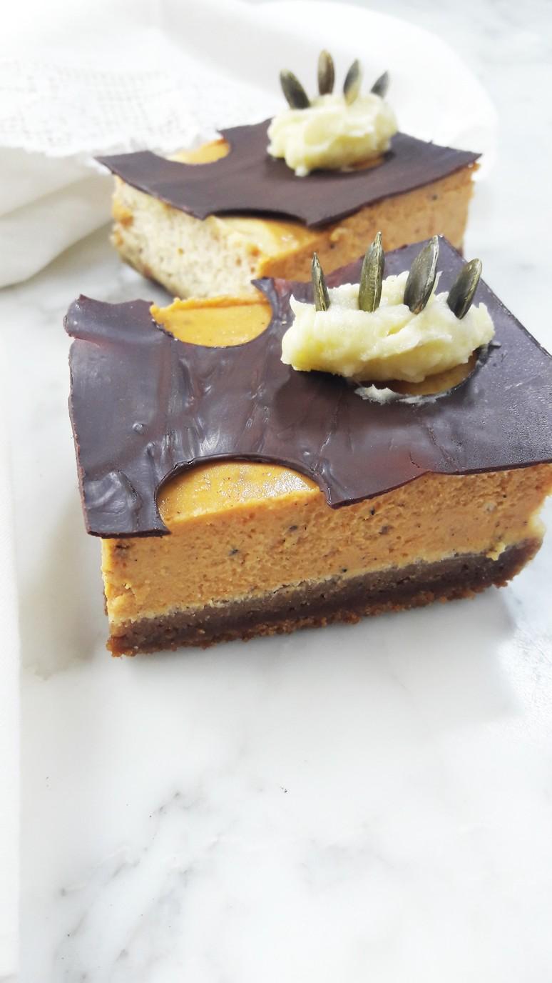 Pumpkin cheesecake bars – make these for Halloween