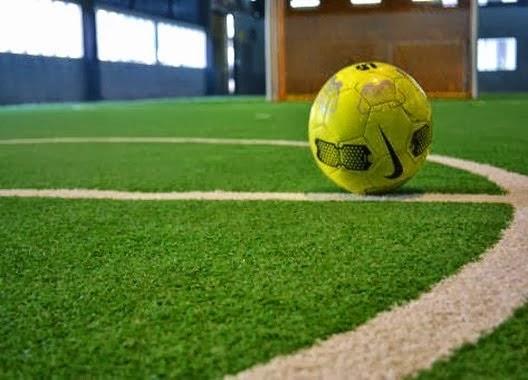 bisnis-lapangan-futsal-kontraktor-lapangan-futsal-ahli-pembuat-lapangan-futsal-pasang-rumput-sintetis-pasang-matras-interlock