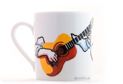 taza con guitarra