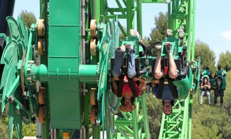 Six Flags Magic Mountain Green Lantern ZacSpin Intamin 03 Green Lantern: First Flight   Der turbulente erste Flug eines Superhelden