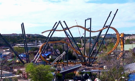 Six Flags Fiesta Texas eröffnet Batman: The Ride