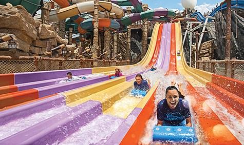 Yas Waterworld Rutsche 475x283 Wasserparks aus aller Welt #3 – Yas Waterworld