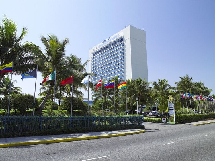 outside view of the Jamaica Pegasus Hotel