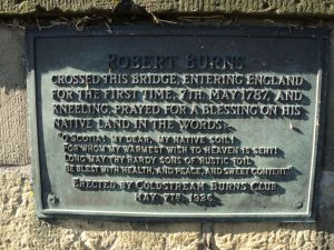 A plaque on the bridge commemorates the 1787 visit of the poet Robert Burns to the Coldstream