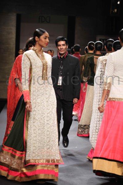 Manish Malhotra at Wills Lifestyle India Fashion Week SS ...
