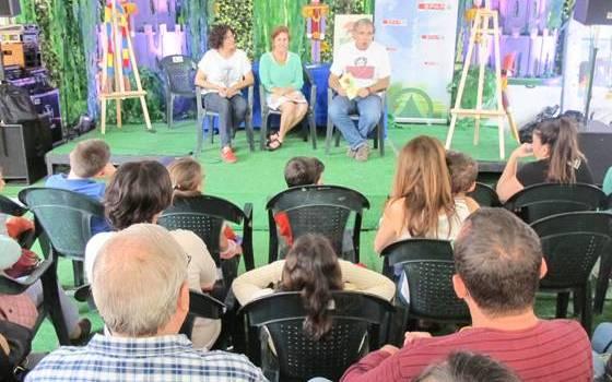 Momento de la presentación del libro en la pasada Feria del Libro 2016.