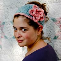 Tapered Flower Headband -- A Free Crochet Pattern