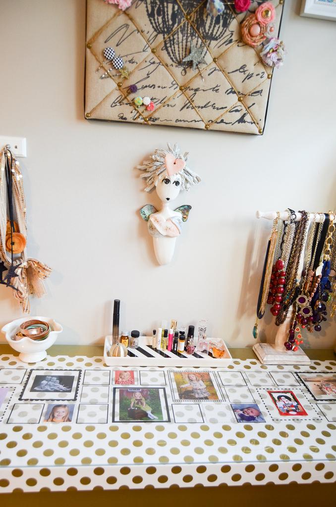 DIY Decor Tape Dressing Table