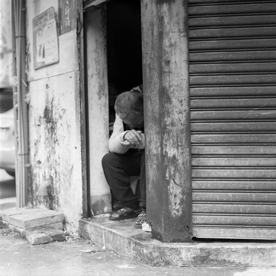 Regret - Shot on Kodak T-MAX100at EI 100. Black and white negativefilm in 120 format shot as 6x6.