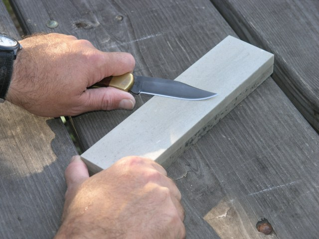 knife sharpening, copyright Al Cambronne