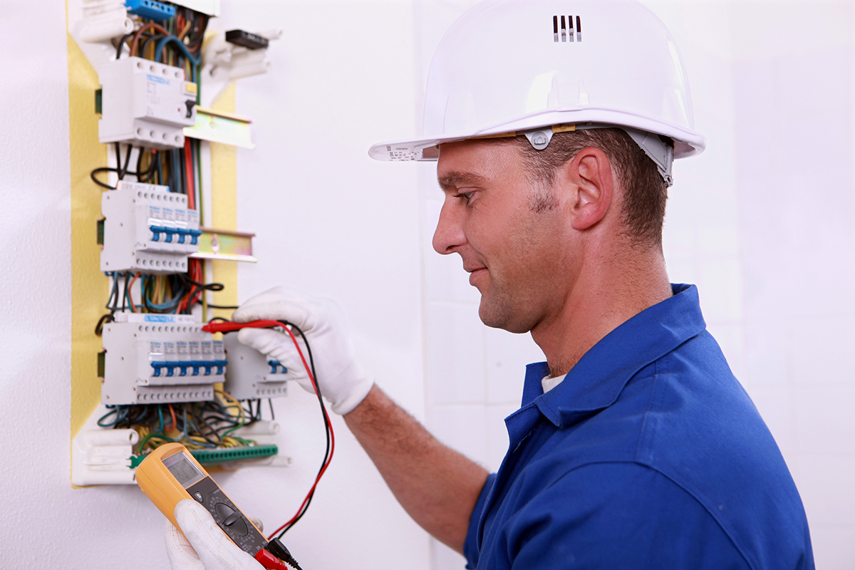 Electrician-testing-circuits