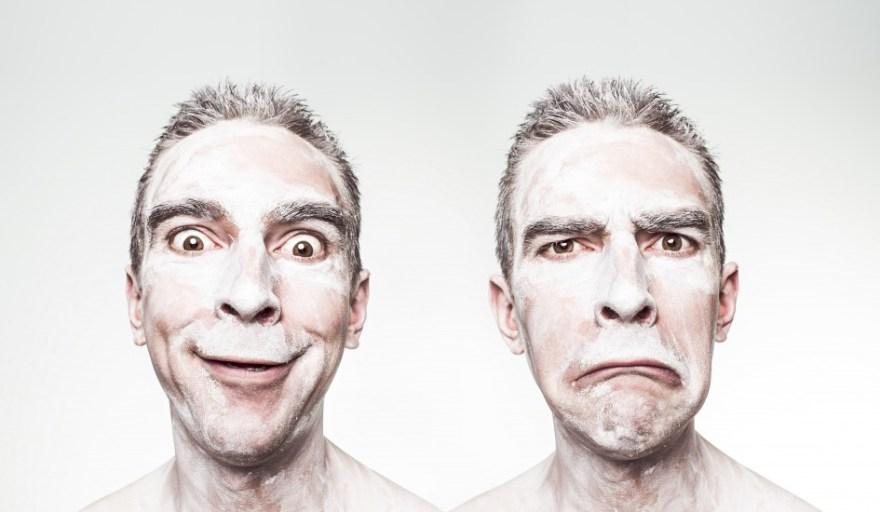 clown-crazy-emotions-1990-945x550