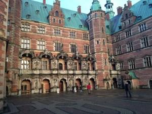 Frederiksborg Slot - gården